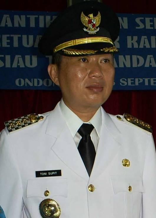 Toni Supit, SE MM. Bupati Pertama Kabupaten Kepulauan Siau Tagulandang Biaro Periode 2008-2013, Pilihan Rakyat