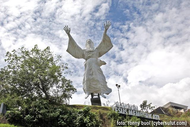 foto dan data sebagian patung patung di kota manado blog