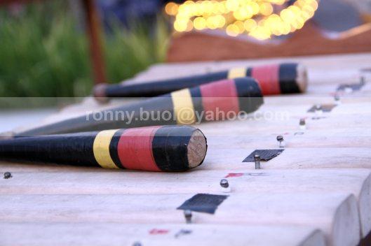ALAT MUSIK PUKUL - Stick pemukul musik traditional Kolintang yang terbuat dari kayu pilihan.