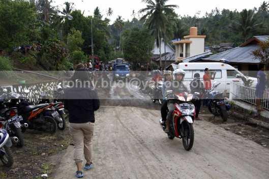 Suasana Desa Rasi, sehari setelah banjir bandang menerjang Ratahan.