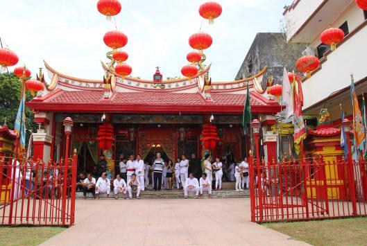 Klenteng Ban Hin Kiong di kawasan Kampung Cina. / Foto: Ronny A. Buol