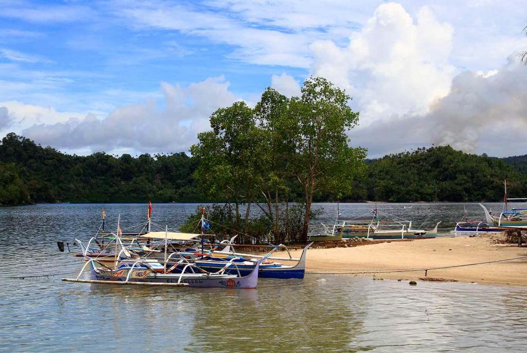 Salah satu sudut pantai pulau Batuwingkung, Sangohe.